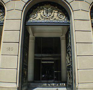Hacienda reduce vía decreto el alza planeada para las contribuciones