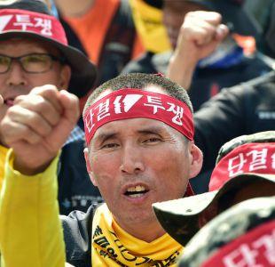 Trabajadores asiáticos exigen mejoras laborales en los actos del 1 de Mayo
