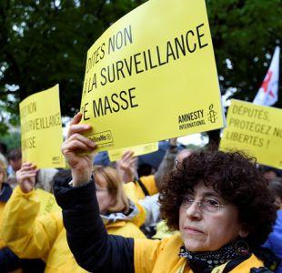Parlamento francés aprueba controvertidas leyes de vigilancia