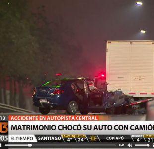 Un muerto y un herido deja choque de auto contra camión