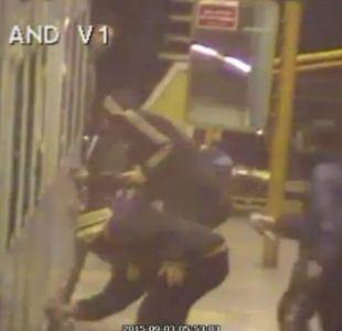 [VIDEO] Rayan dos vagones del Metro y se enfrentan a guardia de seguridad