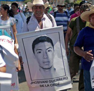 Identifican a uno de los 43 estudiantes desaparecidos en México