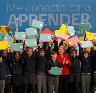 Bachelet inició entrega de computadores a estudiantes de 7° básico