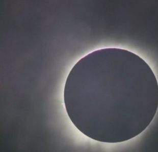 [VIDEO] Así fue el eclipse total de Sol que oscureció gran parte de Indonesia