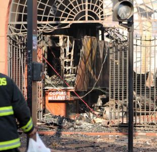 Alcalde de Temuco pide que mercado incendiado se reconstruya lo antes posible