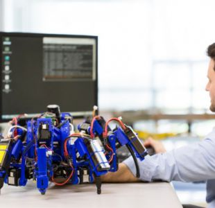 El nuevo prototipo de robot araña que también funciona como impresora 3D