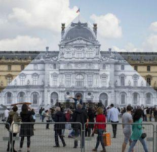 El artista que hizo desaparecer la pirámide del Museo del Louvre de París