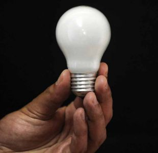 Ley de equidad tarifaria: cuentas de luz bajarán un 14% en 63 comunas del país