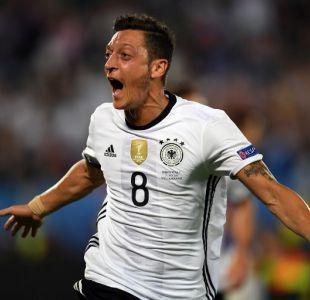 Presidente de Federación alemana reconoce que Özil debió contar con mayor apoyo