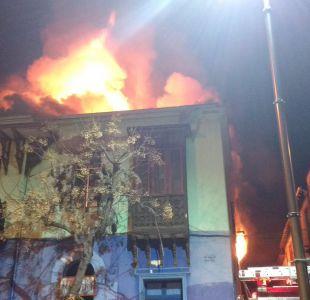 Un incendio afecta a casona patrimonial del Barrio Yungay