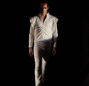 David Bowie será personificado por Gabriel Urzúa
