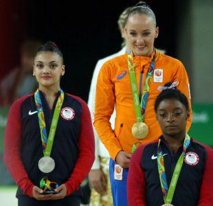 Simone Biles falla en la viga y se queda sin récord de medallas doradas