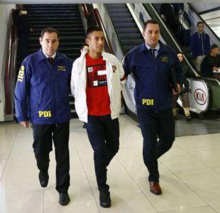 """""""Robo del Siglo"""": Arriba a Chile Kevin Olguín, el imputado que fue detenido en España"""