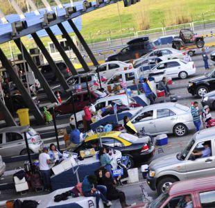 Congestión en autopistas: ¿en qué caso se pueden levantar las barreras de los peajes?