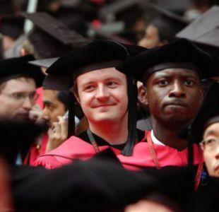 Harvard quita cupos a estudiantes por bromas machistas y xenófobas