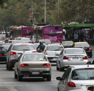 Aplazan restricción vehicular permanente para autos anteriores al año 2012