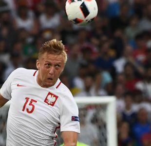 [VIDEO] El autogolazo que complicó a Polonia en las clasificatorias europeas