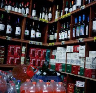 [VIDEO] Botillería ofrece cerveza gratis a quienes ayuden a limpiar un cerro en Curicó