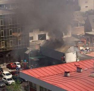 Incendio en supermercado de Viña del Mar se extendió a vivienda