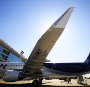 Avión aterriza de emergencia en aeropuerto de Santiago por amenaza de bomba