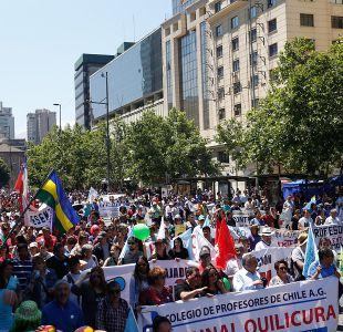 Reajuste salarial: funcionarios públicos marchan ante insistencia del Gobierno por tope del 3,2%