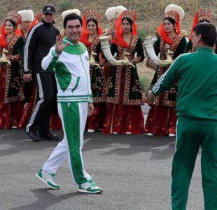 El presidente Gurbanguly Berdymukhamedov se considera un promotor del deporte y los buenos hábitos.