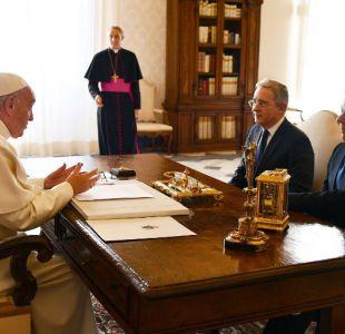 Papa Francisco se reúne con Santos y Uribe para abordar acuerdo de Paz en Colombia