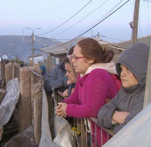 Incendio en Valparaíso: familias afectadas se niegan a abandonar zonas de riesgo