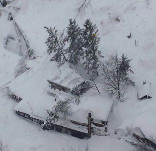 Sacan seis nuevos cuerpos de escombros del hotel sepultado en Italia