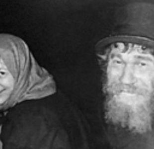 Karp (izquierda) con su hija Agafia días después del primer encuentro.