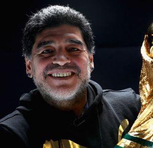 [VIDEO] La voltereta de Maradona: ahora trabaja para la FIFA