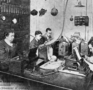 Los periodistas se han ayudado de la tecnología a lo largo de la historia, pero hasta ahora la redacción corre a cargo de la mente frente al teclado.