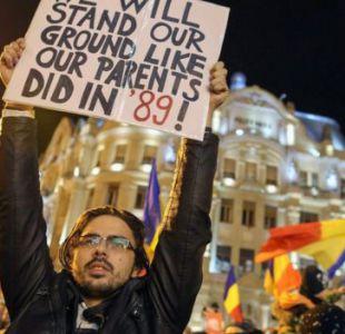 Las gigantescas protestas anticorrupción que tienen contra las cuerdas al gobierno de Rumania