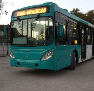 Ministro de Transporte presentó nuevo bus de Transantiago con bajas emisiones contaminantes
