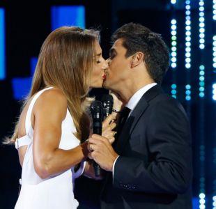 Uno de los besos entre Carolina de Moras y Rafael Araneda