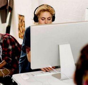 3 efectos negativos de trabajar en las oficinas de planta abierta que están tan de moda