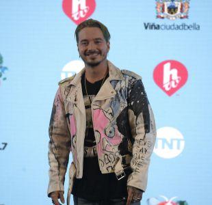[FOTOS] Festival de Viña: el rockero look con que J Balvin se presentó en conferencia de prensa