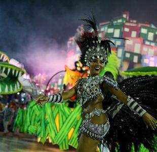 Accidente con 20 heridos empaña inicio de desfiles del Carnaval de Río