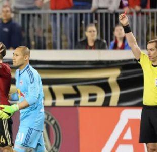 [VIDEO] Carlos Carmona fue expulsado por dar pisotón a rival en su debut en la MLS