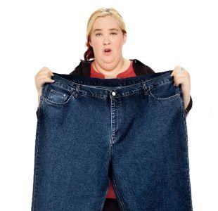 Mama June se luce en su primera alfombra roja tras perder más de 130 kilos de pesos