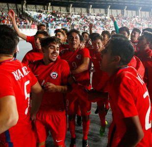 """[VIDEO] Así fueron los festejos de """"La Roja"""" Sub 17 tras sacar pasajes al Mundial de India"""