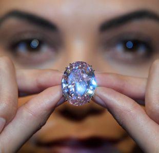 8beb1f715d04 Sale a subasta el diamante rosado más valioso del mundo
