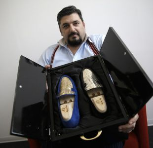 Un italiano vende zapatos de oro de 24 quilates