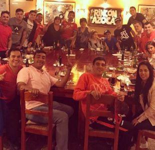 "[FOTO] Gary Medel celebra triunfo de ""La Roja"" junto a la familia y amigos"