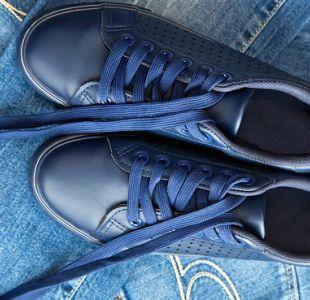 ¿Por qué se desatan los cordones de nuestros zapatos?