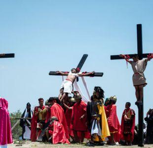 Filipinos se crucifican en conmemoración del Viernes Santo