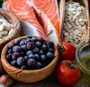 Qué es la alimentación limpia y cuán beneficiosa es realmente