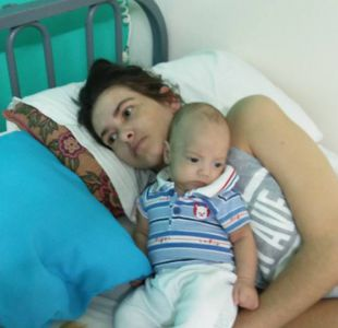 Madre dio a luz mientras estaba en coma