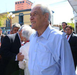 Detienen a joven que intentó escupir a Piñera