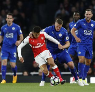 La irónica respuesta del zaguero de Leicester tras entrevero con Alexis Sánchez